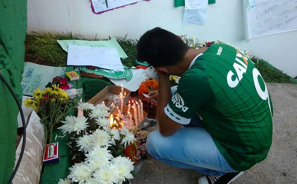 Missa em Chapecó (SC) pelos mortos no acidente