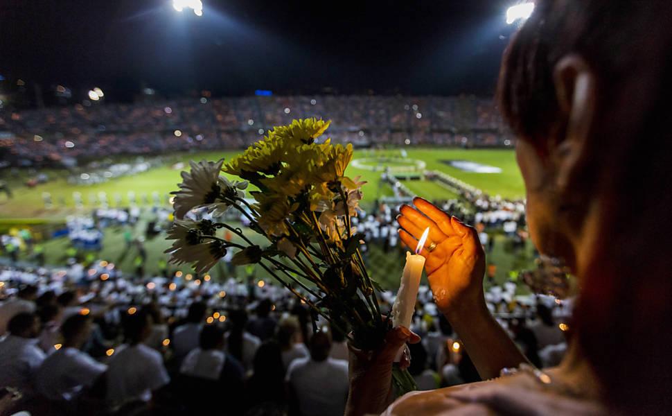 Homenagem à Chapecoense em Medellín