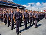 A idade mínima para aposentadoria de policiais será de 55 anos, também inferior ao exigido no regime geral