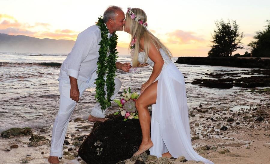 Kadu Moliterno se casa no Havaí