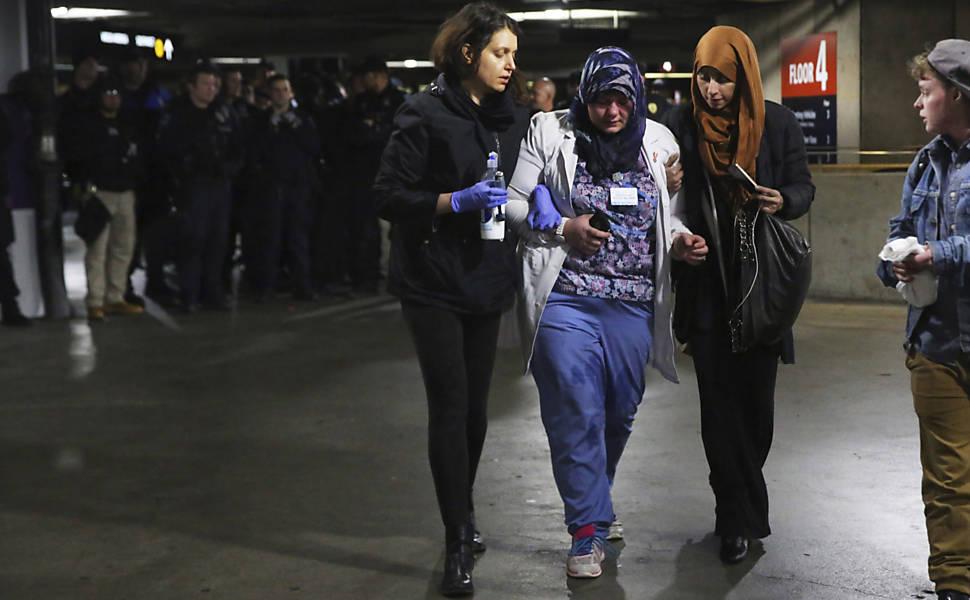 EUA barram imigrantes e refugiados