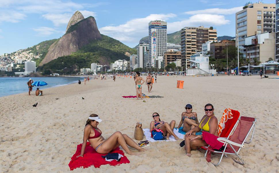 Veja fotos da praia de Ipanema