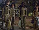 Da esquerda para direita, os amigos Dustin (Gaten Matarazzo), Mike (Finn Wolfhard), Lucas (Caleb McLauhlin)e Will (Noah Schanapp)