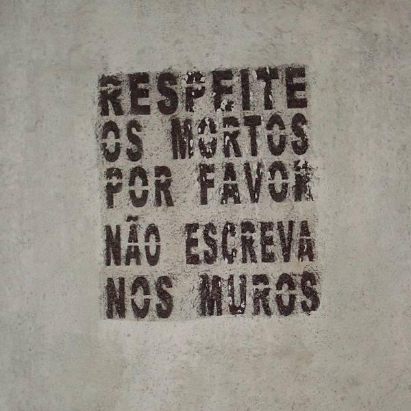 Fotógrafa registra o Brasil por meio de cemitérios