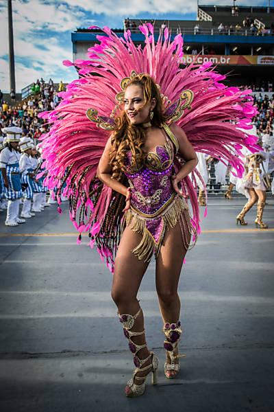 Destaques do 2º dia de desfiles de São Paulo