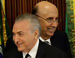 O presidente Michel Temer com o ministro da Fazenda, Henrique Meirelles, durante uma reunião com a Comissão de Reforma das Pensões no Palácio do Planalto, em Brasília