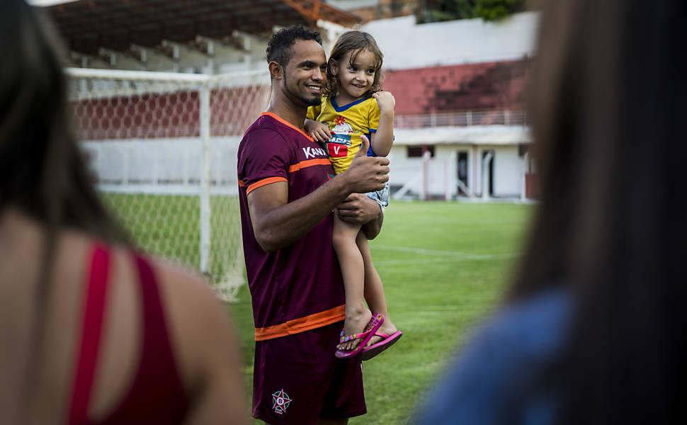 Apresentação do goleiro Bruno no Boa Esporte