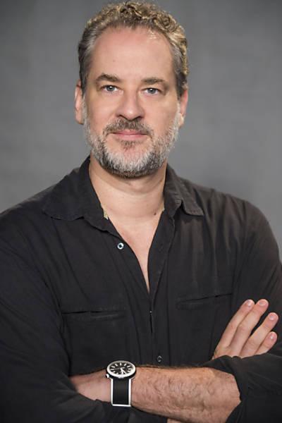 Eugênio ( Dan Stulbach )