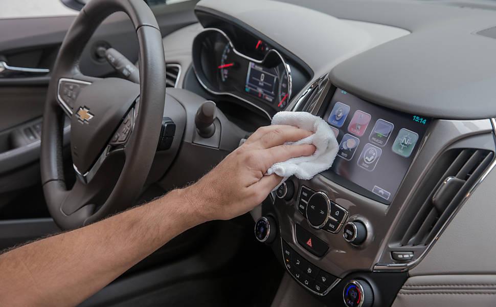 Como limpar o interior do carro