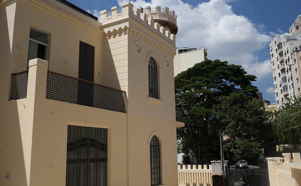 Castelinho da rua Apa reabre como sede de ONG
