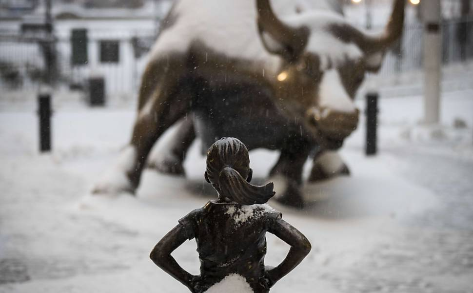 Garota destemida x touro de Wall Street