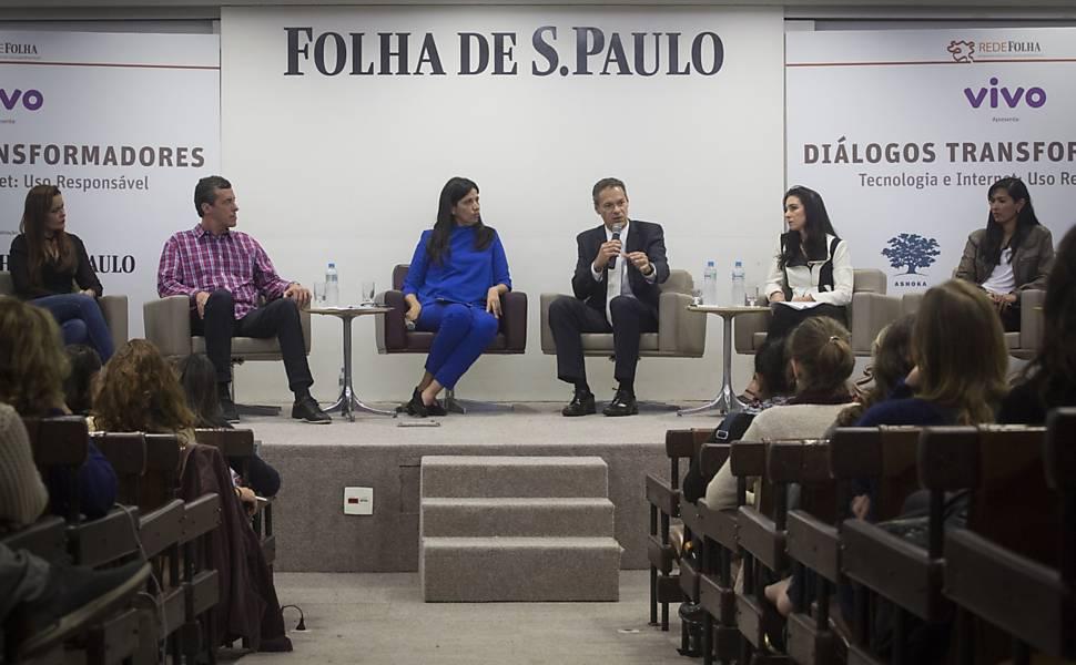 Diálogos Transformadores - Tecnologia e Internet