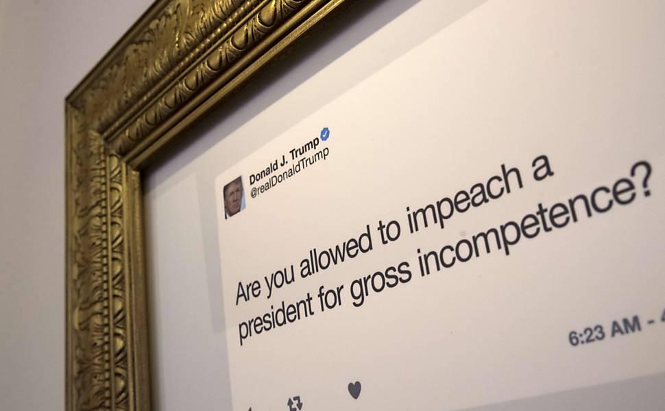 Exposição de tweets de Donnald Trump