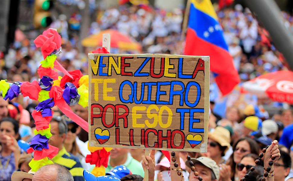 Manifestantes contra Maduro na Venezuela