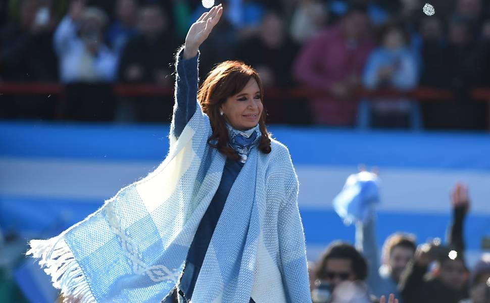 Ato de Cristina Kirchner em estádio