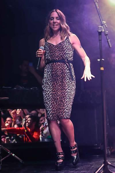 De oncinha, ex-Spice Girl Mel C faz show único em São Paulo
