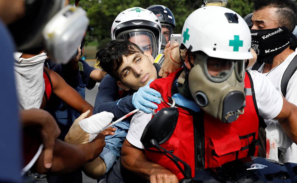 Estudante morre após ser baleado em manifestação na Venezuela
