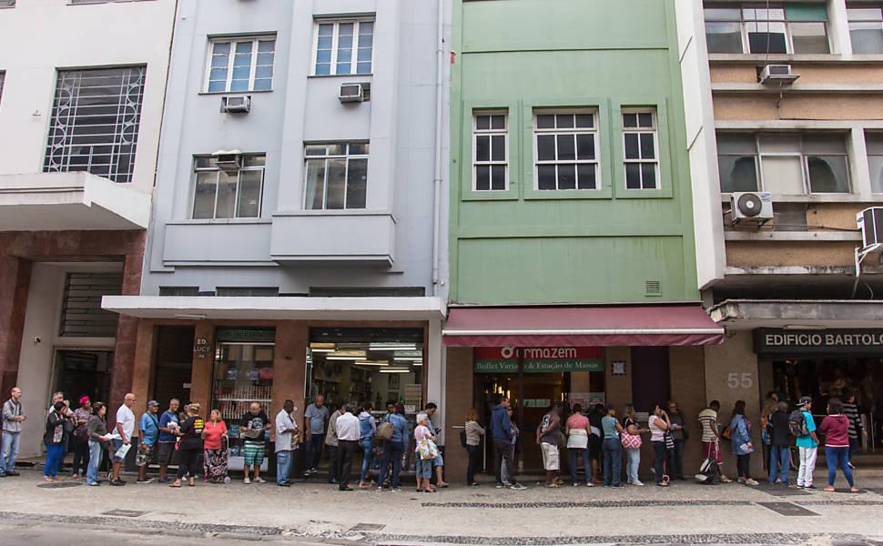 Cesta básica do servidor no Rio