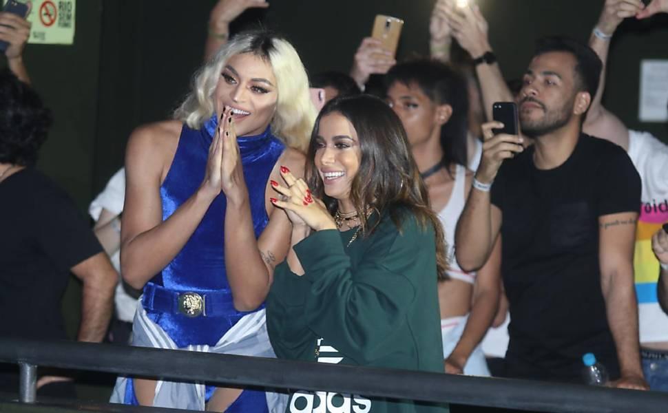Anitta e Pabllo Vittar lançaram o clipe 'Sua Cara'