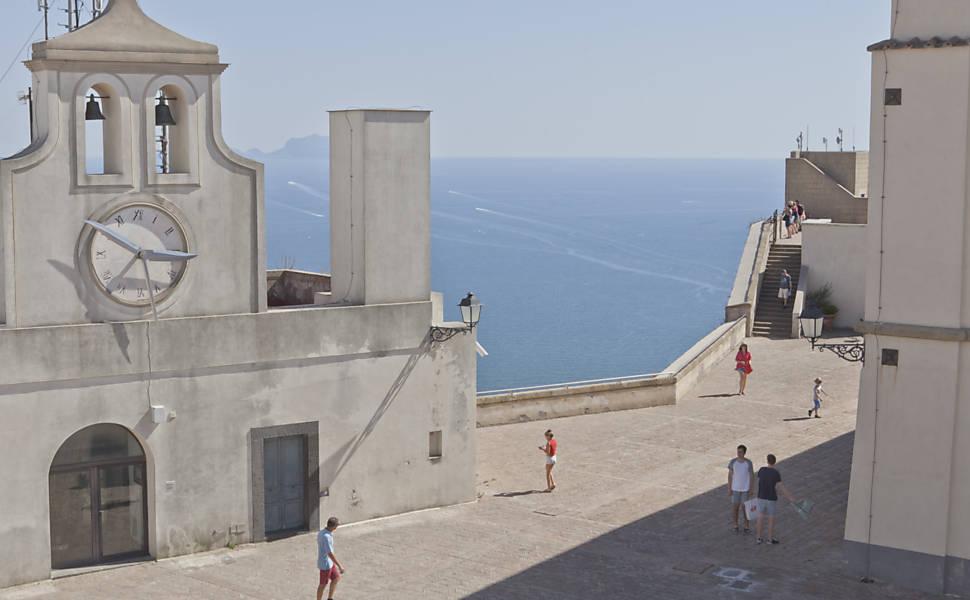 Viagem à Nápoles de Elena Ferrante