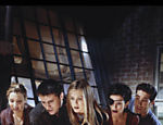Lisa Kudrow, Matt LeBlanc, Jennifer Aniston, Courteney Cox e David Schwimmer em cena de Friends