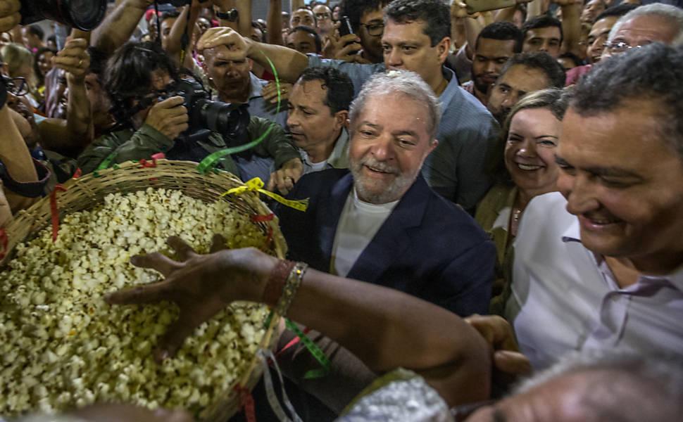 Lula inicia em Salvador a Caravana Pelo Brasil
