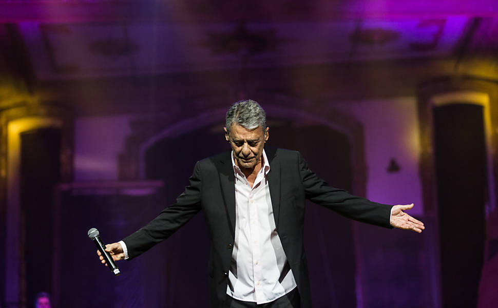 Chico Buarque se apresenta na 28ª edição do Prêmio da Música Brasileira