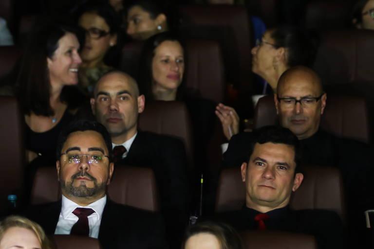 Moro vai a pré-estreia de filme sobre a Lava Jato