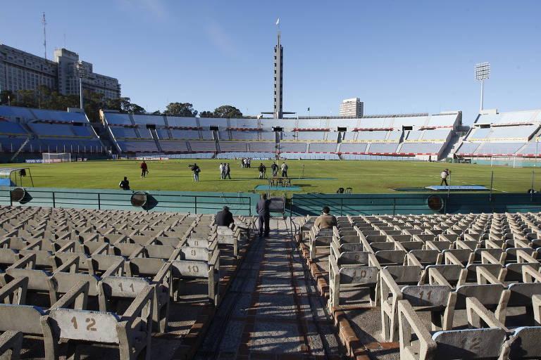 Arquibancada do estádio Centenário de Montevidéu