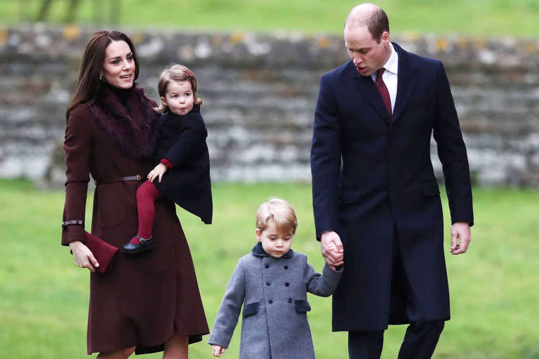 Kate Middleton e príncipe William com os filhos, Charlotte e George
