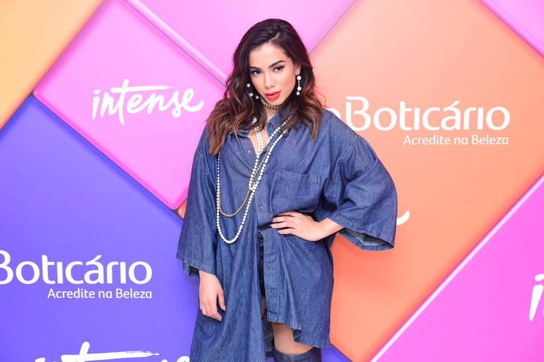 A cantora Anitta faz show em São Paulo para lançar as novas cores de batom do Boticário