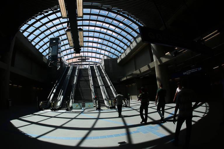 Visão geral da estação Brooklin, da linha 5-lilás