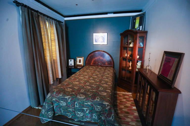 Exposição no MIS tem réplica de ambientes da casa de Renato Russo