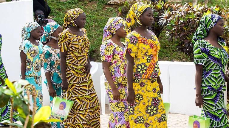 Meninas Chibok, sequestradas pelo grupo Boko Haram, no Centro de de Mulheres em Abuja, na Nigéria