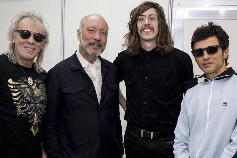 Os guitarristas Luiz Carlini (Tutti-Frutti), Edgard Scandurra (Ira!), Tim Bernardes (O Terno) e Lucio Maia (Nação Zumbi)