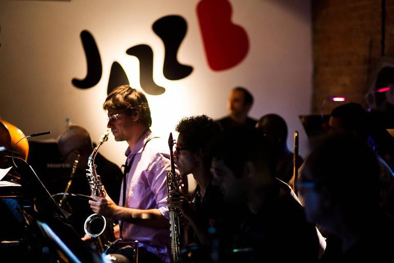 Música na rua pode atrapalhar shows no JazzB