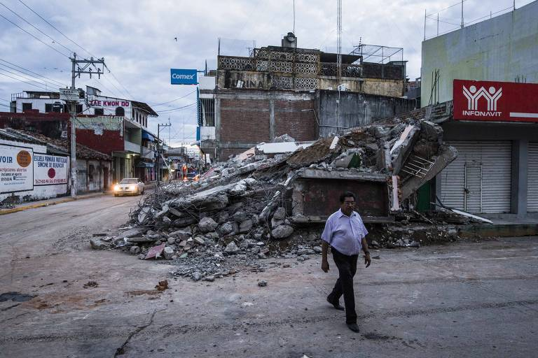 Estragos do terremoto em Juchit�n