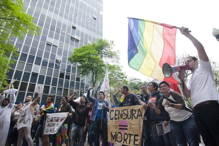 Protesto contra cancelamento de exposi��o 'Queermuseu