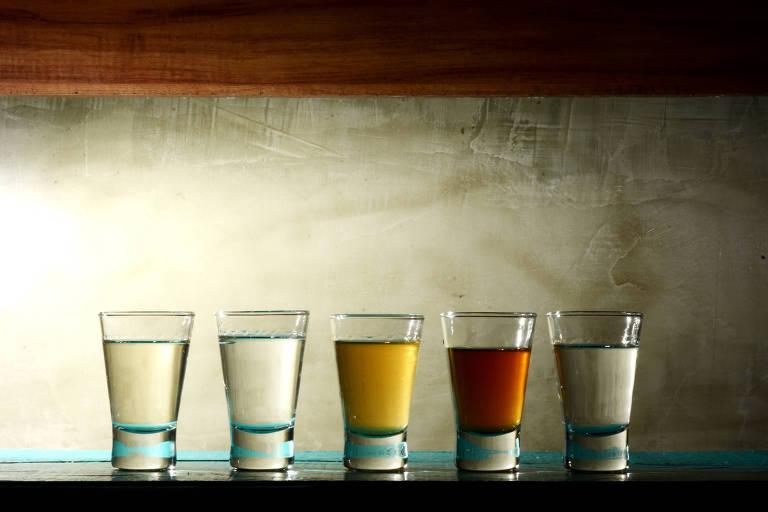 Cachaças do bar Rota do Acarajé