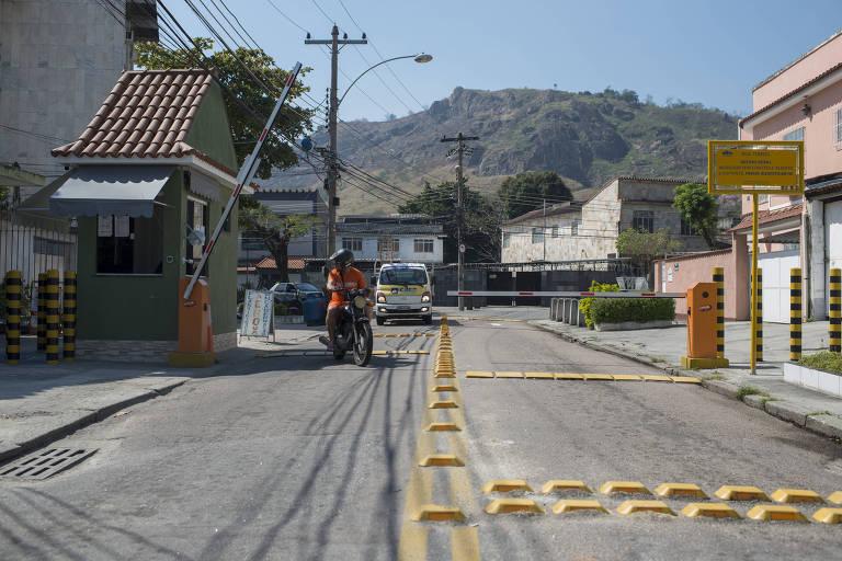 Segurança privada cerca bairro inteiro no Rio