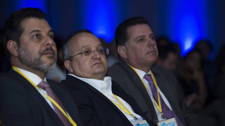 SÃO PAULO, SP, BRASIL, 14.09.2017. Leonardo Jayme, Pedro Taques, governador do Mato Grosso, e Marconi Perillo, governador de Goiás.(FOTO Alan Marques/ Folhapress) PODER