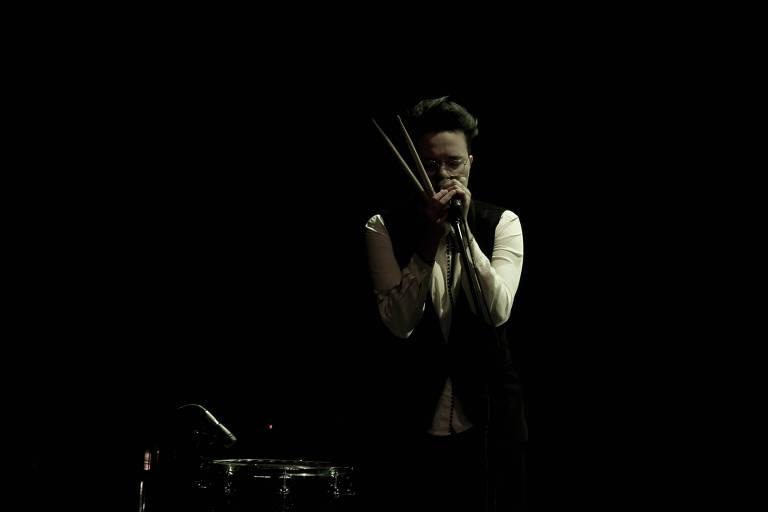 A cantora Maria Gadú divide o palco com Silva e Dani Black na Casa Natura Musical
