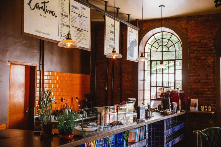 Balcão da cafeteria comandada por Fellipe Zanuto, chef do restaurante Hospedaria, na Mooca