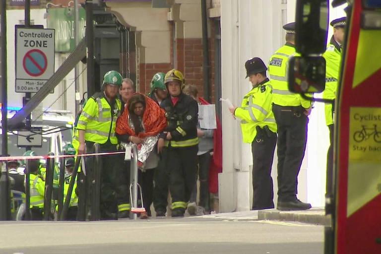 Explosão no metrô de Londres