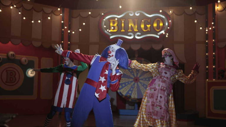 """Bingo - O rei das manhãs"", de Daniel Rezende (Warner). Genero: drama. Elenco: Vladimir Brichta, Leandra Leal, Domingos Montagner"