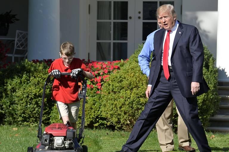 Trump encontra Frank, garoto que pediu para cortar a grama da Casa Branca