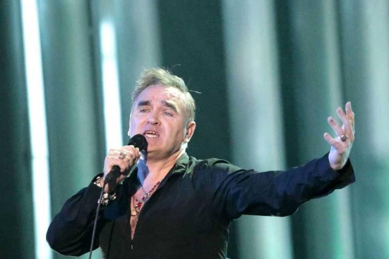 Morrissey cantando no concerto do Prêmio Nobel da Paz em Oslo, na Noruega
