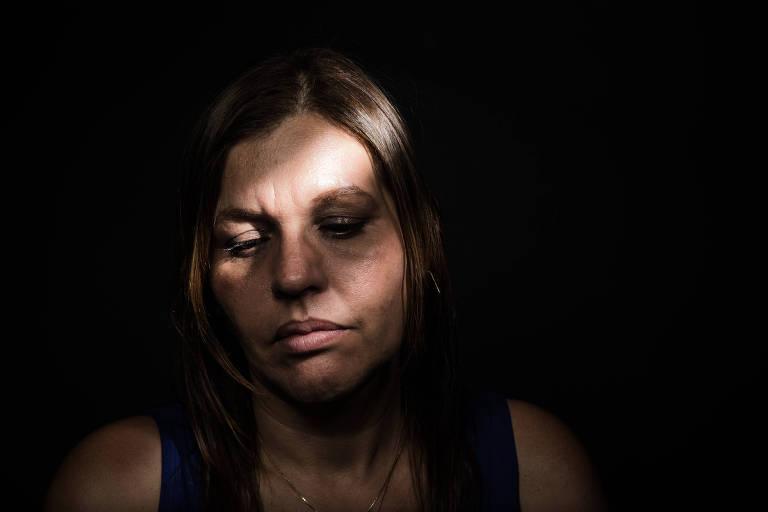 Violência contra professores: professora agredida com lixeira