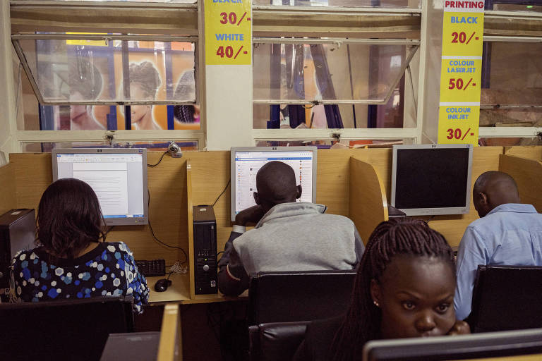 An internet cafe in Nairobi, Kenya, March 22, 2017. Facebook and other tech companies are increasingly forced to navigate a web that is not as open as it once was, with nation-states exerting their power over the internet. (Adriane Ohanesian/The New York Times) ORG XMIT: XNYT69