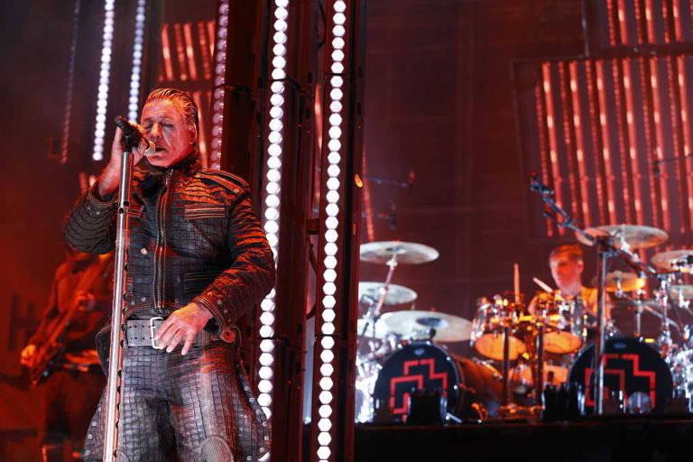 Show da banda Rammstein durante o Festival Maximus de Heavy Metal, em São Paulo, em 2016
